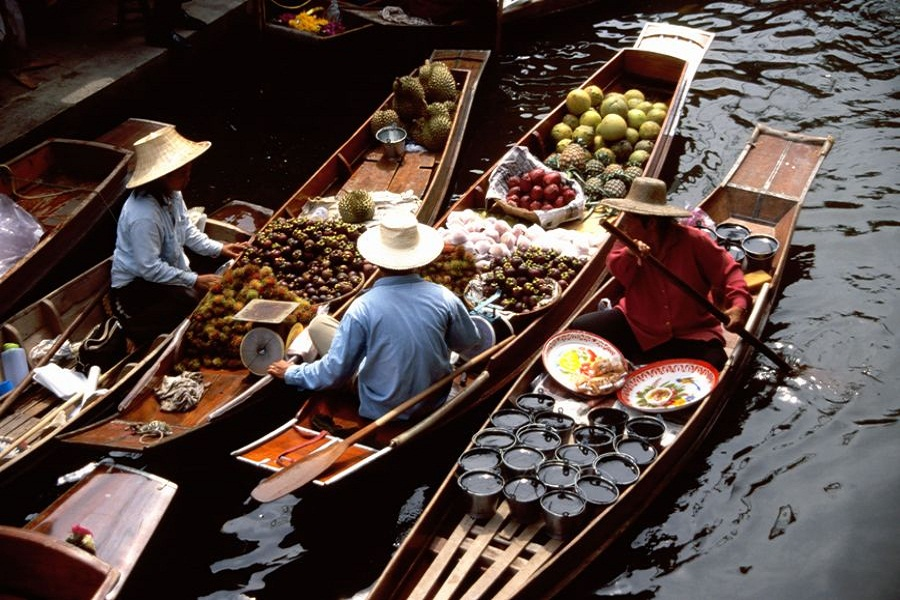 Medio dia  Floating Market